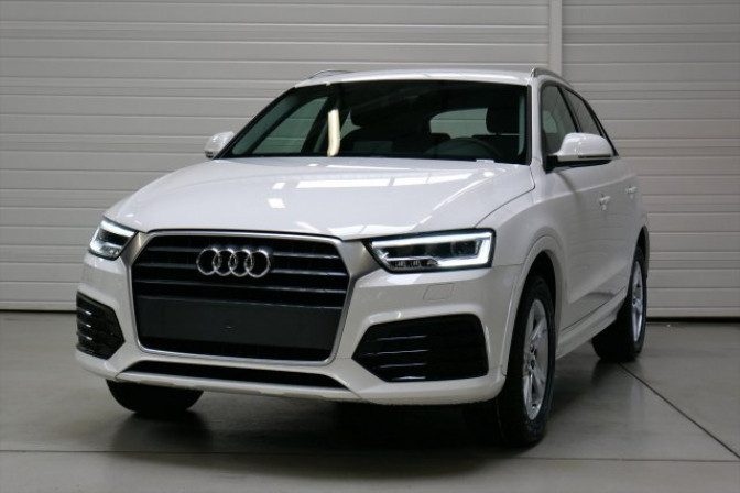 voiture audi q3 2 0 tdi s tronic 7 sline occasion diesel. Black Bedroom Furniture Sets. Home Design Ideas