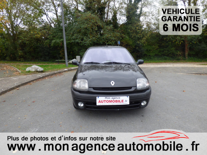 voiture renault clio ii 1 6 i occasion essence 1998 145000 km 2790 aytr charente. Black Bedroom Furniture Sets. Home Design Ideas